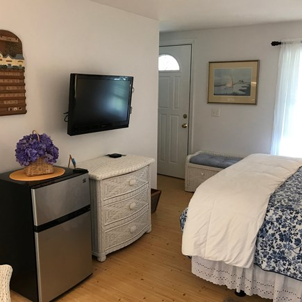 "South Yarmouth Cape Cod vacation rental - New 32"" flat screen tv"