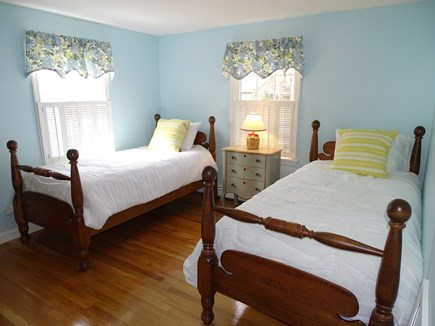 Mashpee, Popponesset Cape Cod vacation rental - Main floor twin bedroom