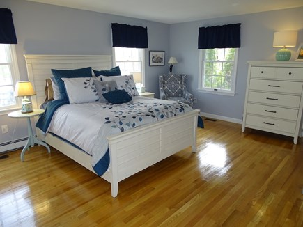 Mashpee, Popponesset Cape Cod vacation rental - Main floor queen bedroom