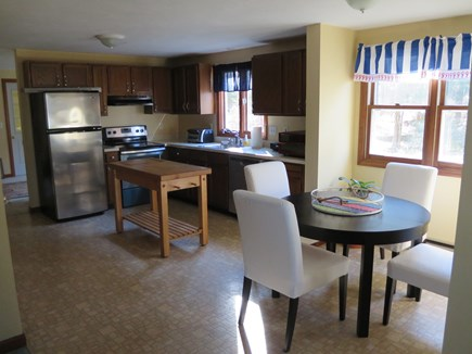 Bourne, Gray Gables Cape Cod vacation rental - Eat-in kitchen