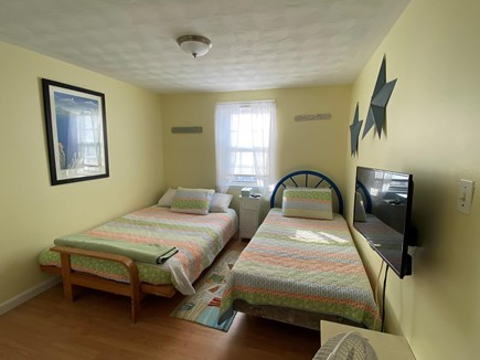 West Dennis Cape Cod vacation rental - Unit 12 middle bedroom full and twin