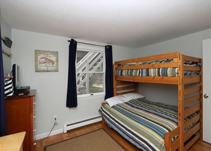 Orleans Cape Cod vacation rental - pyramid bunk bed full/twin