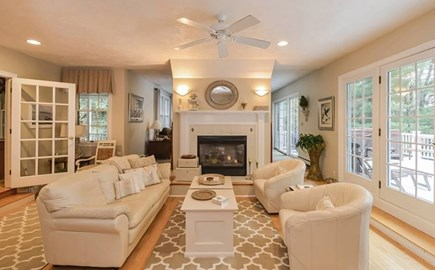 Marstons Mills Marstons Mills vacation rental - Living space beautiful view