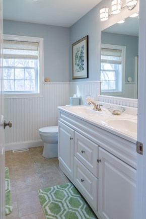 Chatham Cape Cod vacation rental - Master Bath- First Floor