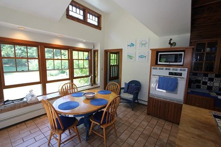 Plymouth MA vacation rental - Kitchen Table