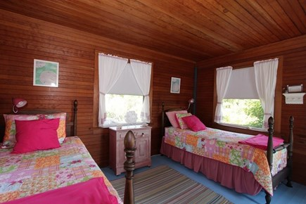 Plymouth MA vacation rental - Bedroom 2 w/ 2 Twins