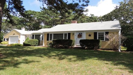 West Harwich Cape Cod vacation rental - 4/10 mile to beach. 3 bedroom/ 2 bath - linens/towels included