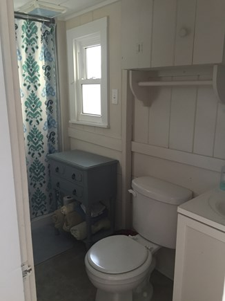 248 Old Wharf Road, dennis Cape Cod vacation rental - Indoor bathroom