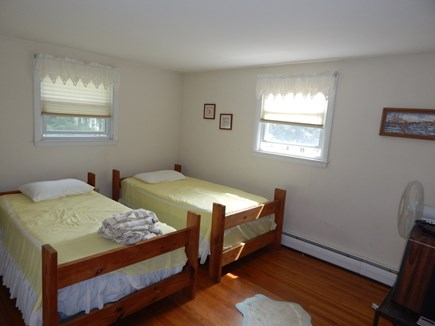 Falmouth, MA Cape Cod vacation rental - Twin beds
