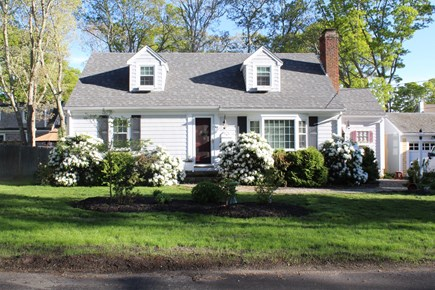 Falmouth, Maravista Cape Cod vacation rental - 4 Bedroom Cape w/AC, ceiling fans, washer/dryer