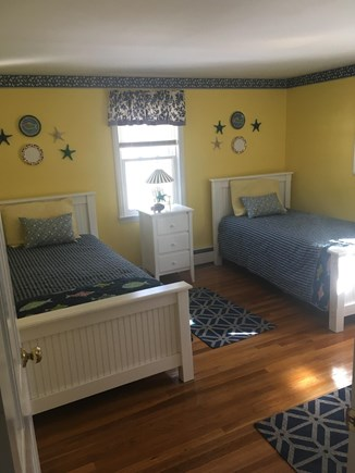 Falmouth, Maravista Cape Cod vacation rental - Downstairs bedroom with twins