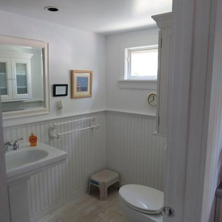 Cape Cod Bay @ Eastham Cape Cod vacation rental - Bathroom