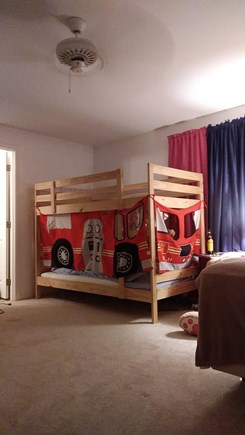Centerville Centerville vacation rental - 2nd Bed rm up stairs Queen with bunk beds