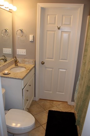 North Truro Cape Cod vacation rental - Full bath with jetted tub