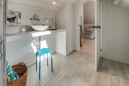 Wellfleet Cape Cod vacation rental - Get washed and ready in this full bathroom.