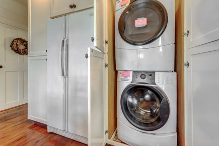 Barnstable, Cotuit Cape Cod vacation rental - State of the art washer and dryer