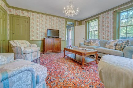 Barnstable, Cotuit Cape Cod vacation rental - Enjoy WiFi or TV in the family room