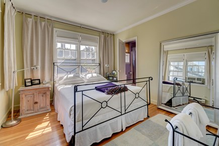 Provincetown Cape Cod vacation rental - Get a great night's sleep in this queen size bed.