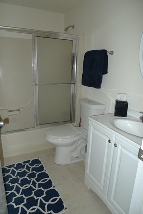 East Harwich Cape Cod vacation rental - Full bath (1 of 2)