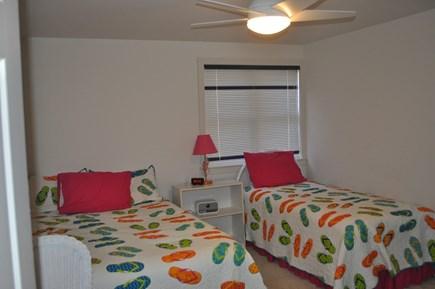 New Seabury, Mashpee New Seabury vacation rental - 2nd floor bedroom with Queen and twin beds