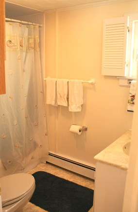 Sandwich Cape Cod vacation rental - Full Bath with tub/shower