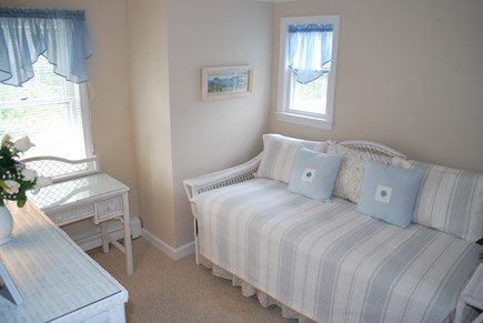 Osterville Osterville vacation rental - 2nd floor bedroom with two Twin beds