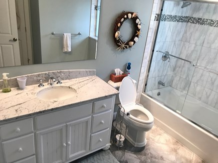 New Seabury, Mashpee New Seabury vacation rental - 2nd floor semi private bath with tub/shower.