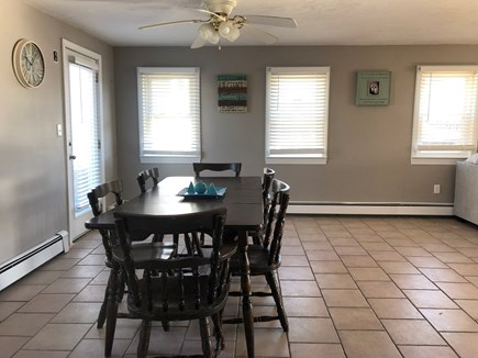 Wareham MA vacation rental - Dinning  table