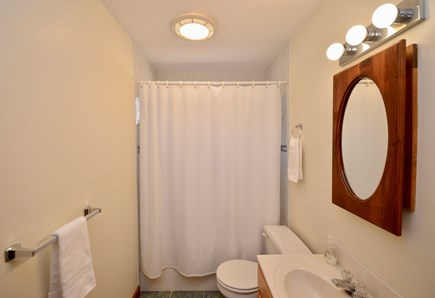 Wellfleet Cape Cod vacation rental - Main level full bath with tub/ shower combo