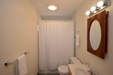 Wellfleet Cape Cod vacation rental - Main level full bath with tub/ shower combo