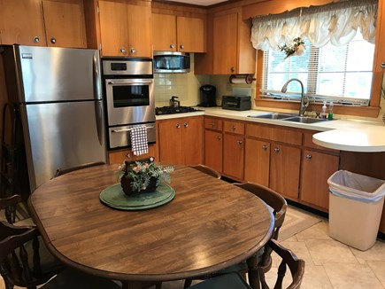 West Dennis Cape Cod vacation rental - Seating for 6 people