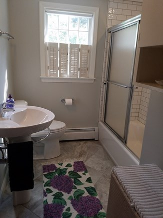 Dennis Cape Cod vacation rental - Full bath