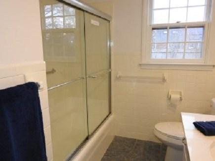 Centerville Centerville vacation rental - Full-Bathroom