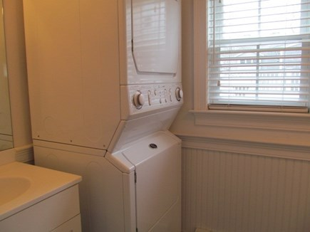 Falmouth Cape Cod vacation rental - Laundry