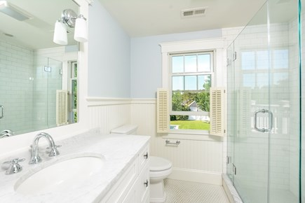 Chatham, In Town Cape Cod vacation rental - Upstairs full bath
