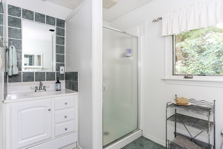 Brewster Cape Cod vacation rental - Upstairs full bathroom