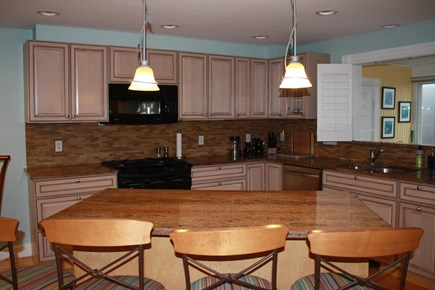 Plymouth MA vacation rental - 2nd floor kitchen island
