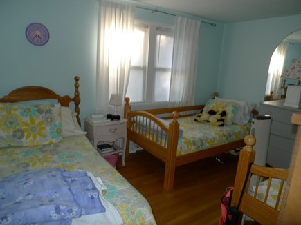 Brewster Cape Cod vacation rental - Three Twin Beds