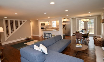 Barnstable, Centerville Cape Cod vacation rental - Plenty of seating and open area