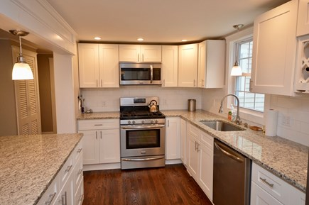 Barnstable, Centerville Cape Cod vacation rental - Full kitchen with center island