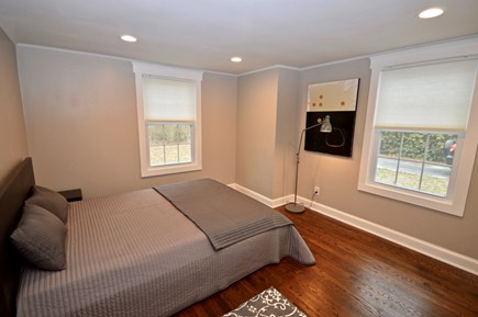 Barnstable, Centerville Cape Cod vacation rental - Main level queen room