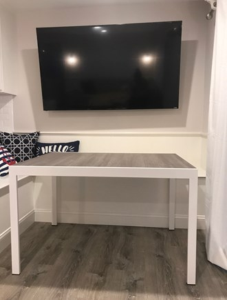 TRURO Cape Cod vacation rental - Dining table with expansion feature