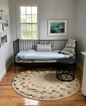 Dennis Port Cape Cod vacation rental - Twin daybed in the master bedroom opposite the queen bed