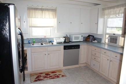 Sagamore Beach, Bourne Sagamore Beach vacation rental - Fully furnished Kitchen.