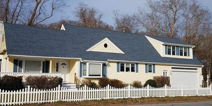 Sagamore Beach Sagamore Beach vacation rental - Yellow House on the Cape Cod Canal
