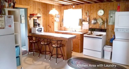 Bourne, Pocasset Cape Cod vacation rental - Kitchen/laundry