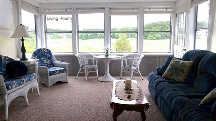 Bourne, Pocasset Cape Cod vacation rental - Breezy living room