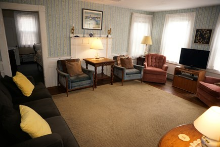 Harwich Port Cape Cod vacation rental - Living room with cable tv and plenty of seating