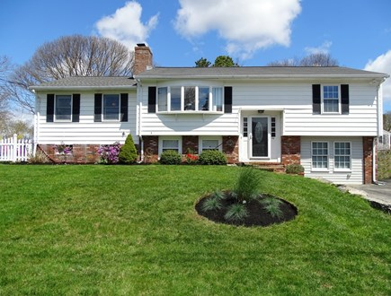 Falmouth Cape Cod vacation rental - Large front yard, fenced back yard