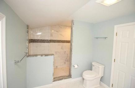 Cotuit Cotuit vacation rental - Upstairs bathroom